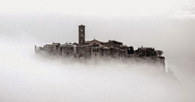 Чивита ди Баньореджо - мертвый город в Италии.