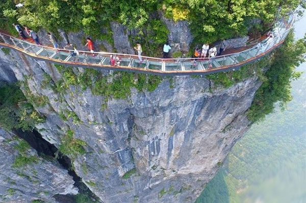 Новый стеклянный мост в Китае