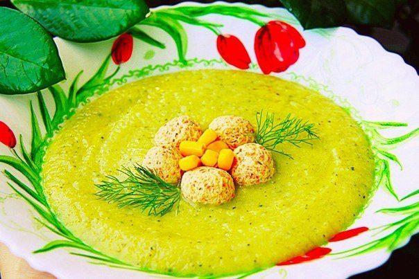 Овощной крем суп с куриными фрикадельками