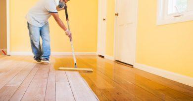Чем лучше покрасить деревянный пол?