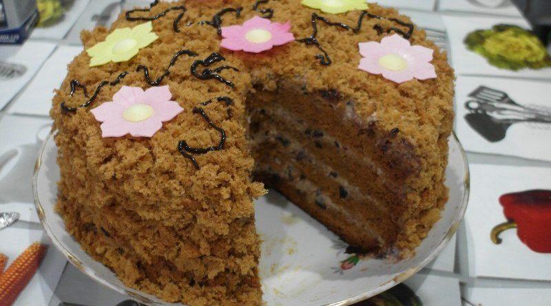 Торт «Медовый чернослив»