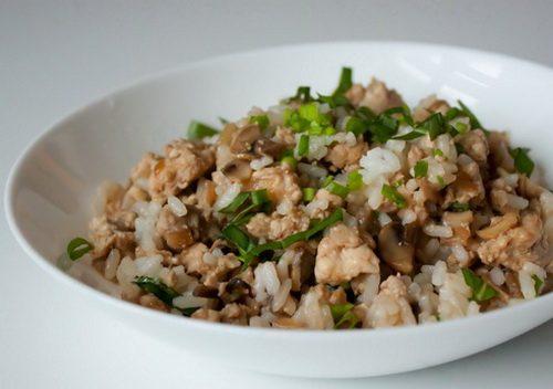 Рубленная курица с грибами и рисом