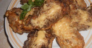 Печеночные отбивные с сыром