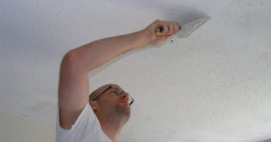 Как справиться с пятнами на потолке?