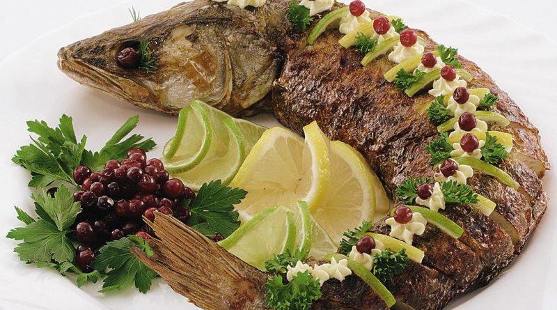 Щука, фаршированная гречкой: по старорусскому рецепту