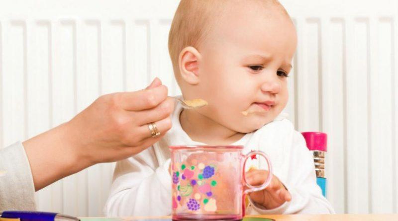 Ребенку год ничего не ест: что делать?