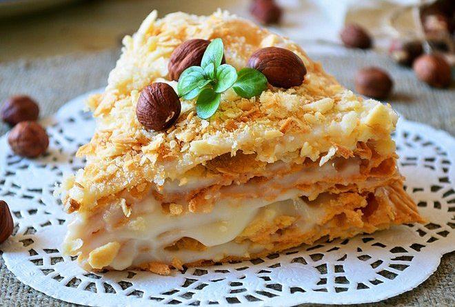 """Торт """"Наполеон"""": рецепт коржей на пиве с ореховым кремом"""