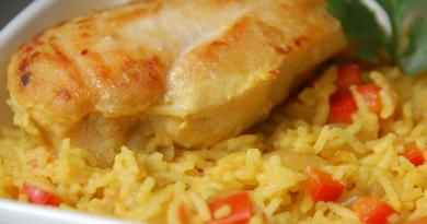Вкусный плов с курицей