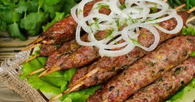Люля-кебаб из говядины с травами