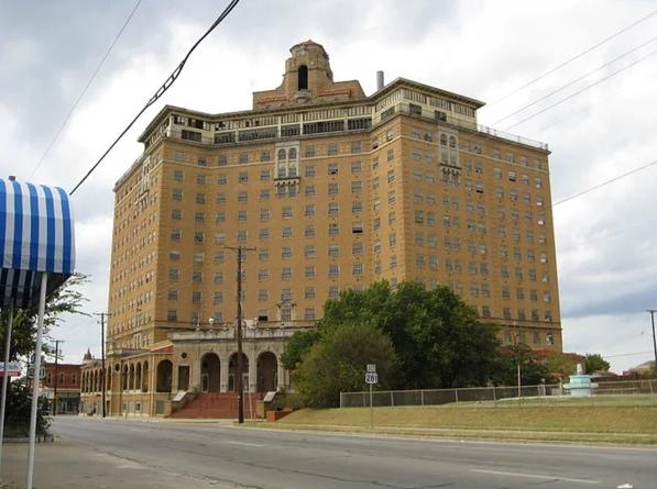 Самые интересные заброшенные отели мира