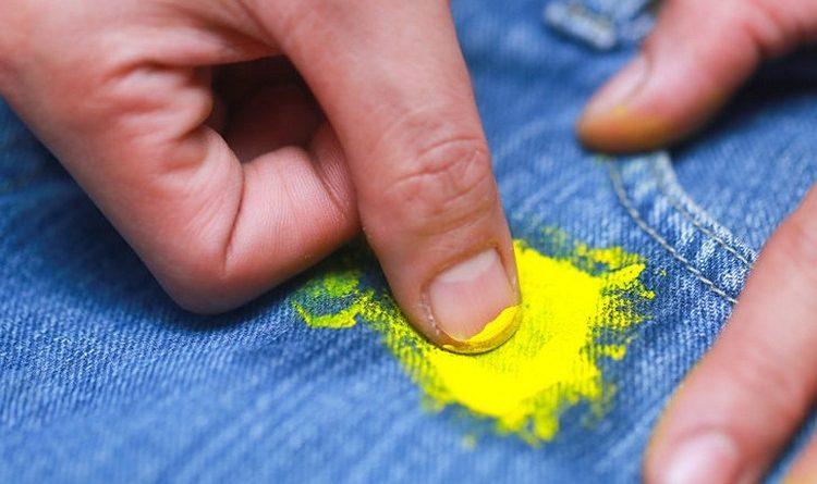 Как очистить краску с одежды
