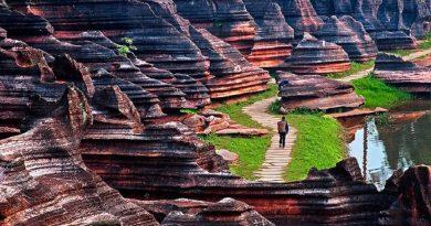 Красный каменный лес. Прогулка по самому новому парку Китая