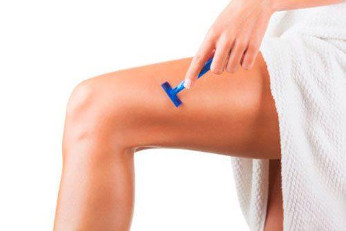 Нужно ли брить ноги выше колена?
