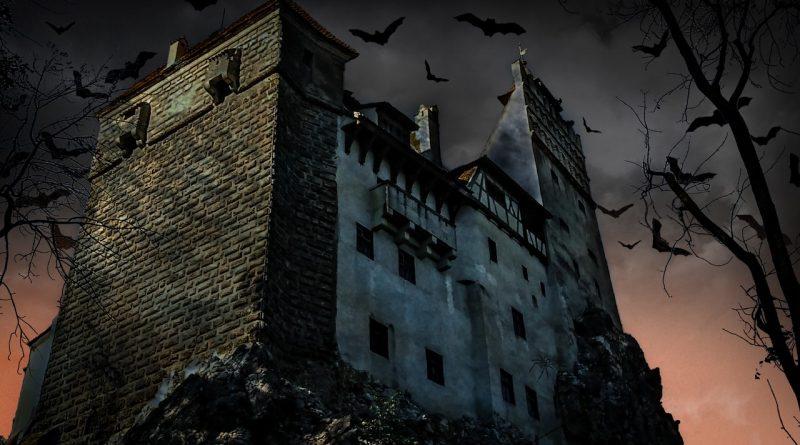 В гостях у Дракулы: 6 самых страшных вампирских замков