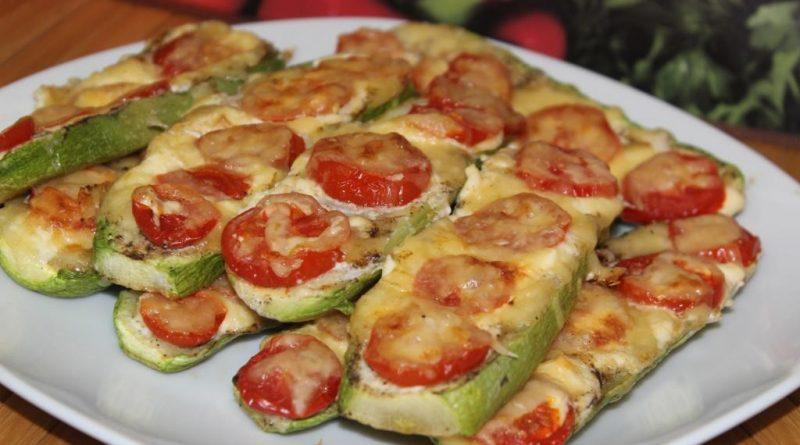 Отменные кабачки, запеченные с помидорами