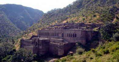 Индийский Форт Бхангар. История и легенды