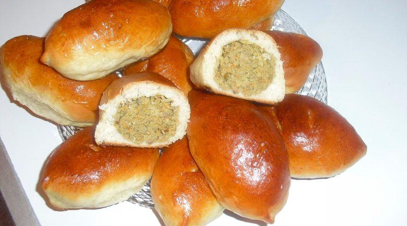 Пирожки с куриной печенью.