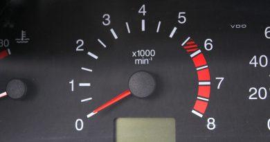 Растут обороты двигателя на холостом ходу – что делать?