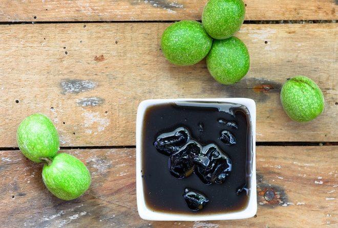 Варенье из зеленых грецких орехов: доступный рецепт