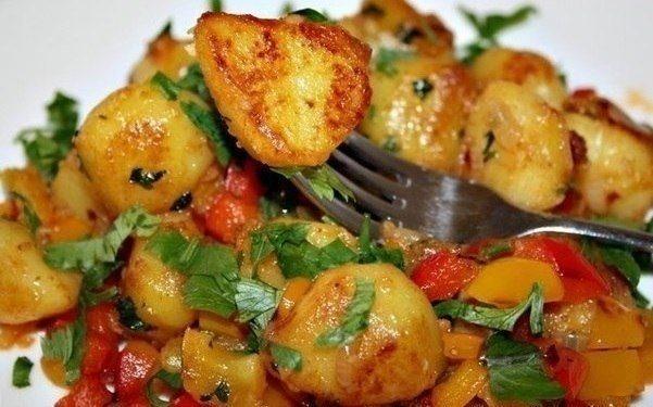 Острая картошечка с болгарским перцем