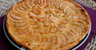 Тонкий яблочный пирог