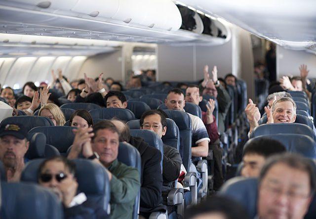 Хлопать или не хлопать при посадке самолета?