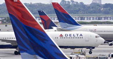 Самолет авиакомпании Delta развернули на полпути из США во Францию из-за засорившихся туалетов