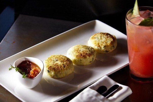 Солёные сырники с аджикой