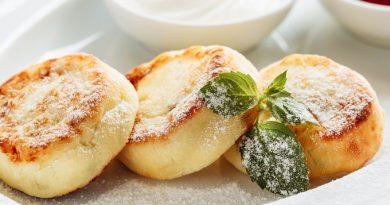 Яблочные сырники: рецепт нежнейших сырников в духовке