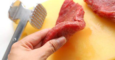 Жёсткое мясо станет мягким и сочным: 3 совета от профи кулинарии