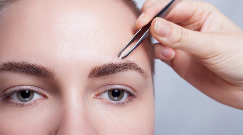 Как выщипать брови без боли?