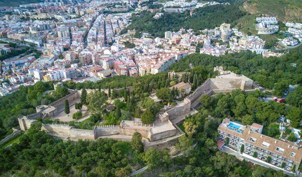 Город-порт Малага в Испании