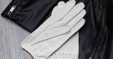 Как почистить кожаные перчатки?