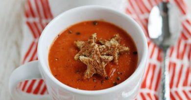 Суп из запеченного сладкого перца и томатов