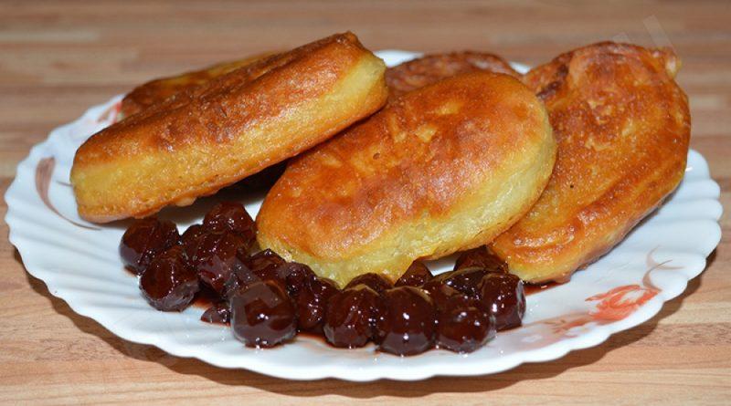 Оладьи на кефире: рецепт пышных оладушек