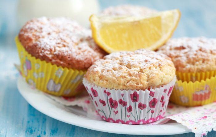 Лимонные маффины с орехами