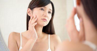 Как убрать белые жировики на лице?