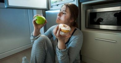 Как перестать наедаться на ночь