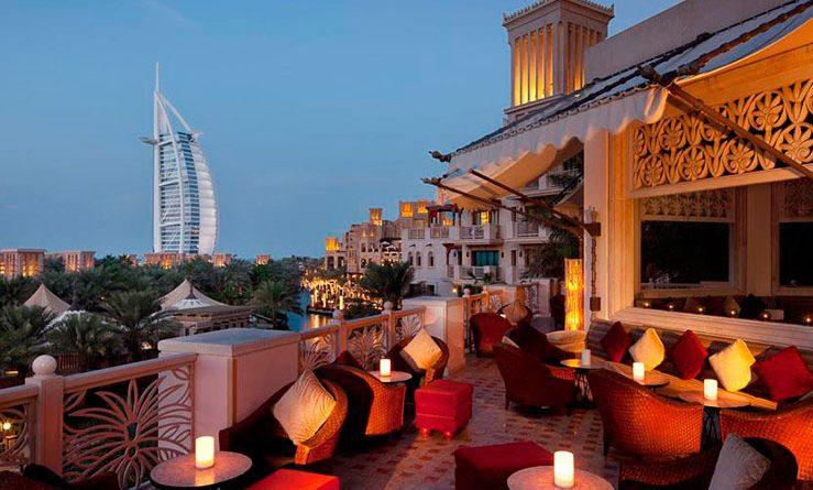 В Дубае британца арестовали за прикосновение к мужчине в баре