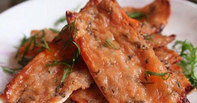 Сырно-томатные чипсы из лаваша