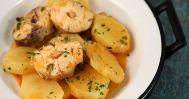 Рыба с картофелем в чесночном соусе