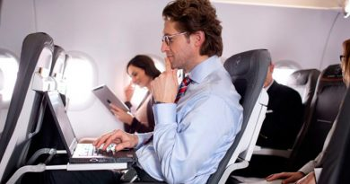 Российские авиакомпании не запрещали перевозить ноутбуки в ручной клади