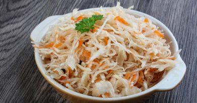 Мягкая, склизкая и пахнет: ошибки при квашении капусты
