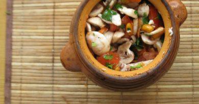Постное овощное рагу в горшочке