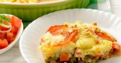 Запеканка с мясом, картофелем и овощами