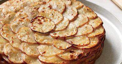 Картофель, запеченный с плавленым сыром