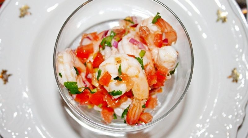 Свежий салат с креветками
