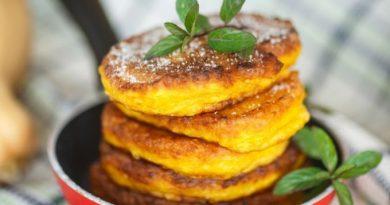 Что приготовить на завтрак: вкуснейшие тыквенные оладьи