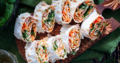 Рулет из лаваша с ветчиной и морковью по корейски