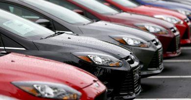Средняя цена нового автомобиля в России достигла 1,42 млн рублей
